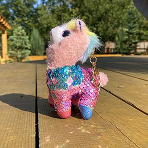 Мягкая игрушка Брелок альпака с пайетками цвета МИКС